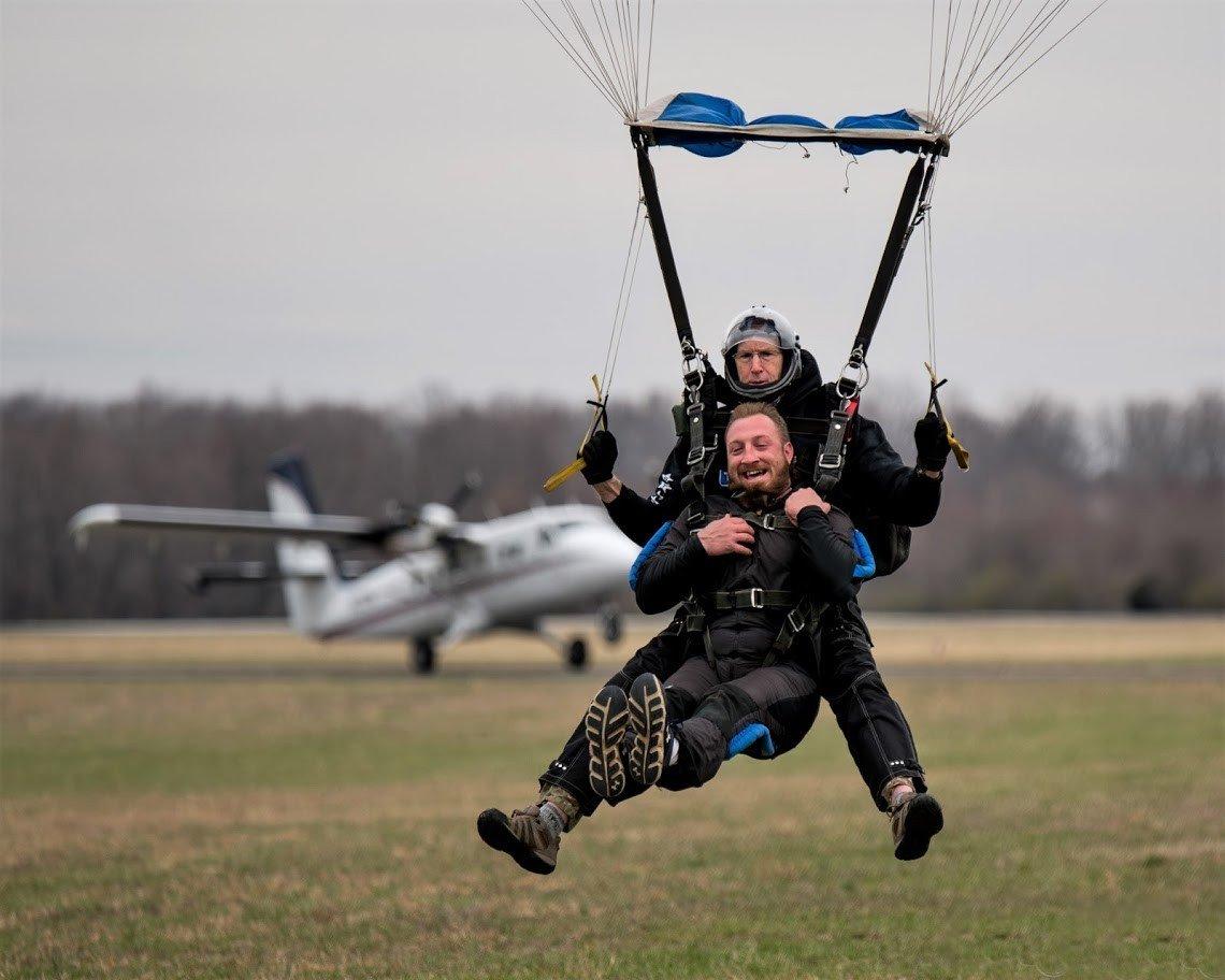 tullahoma-airport-parachuting.jpeg